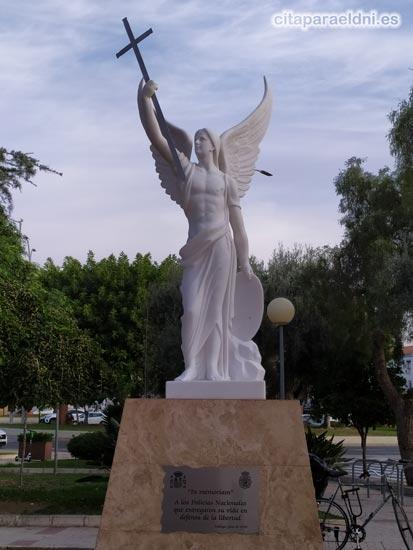 Santo Angel de la Guarda en homenaje a los policias nacionales fallecidos en acto de servicio